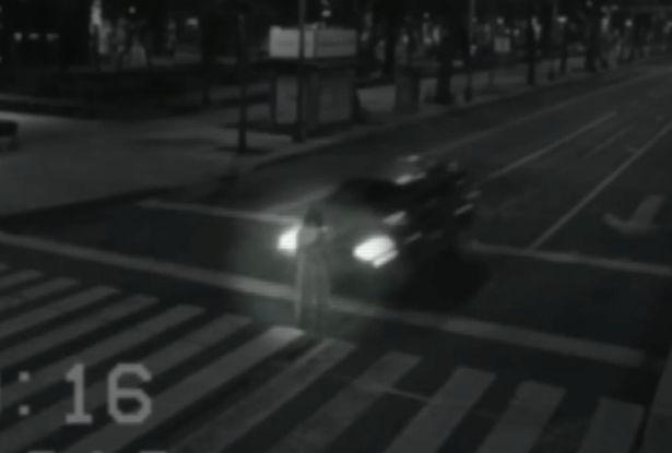 Moça fantasma aparece em uma avenida no México! Será verdade?