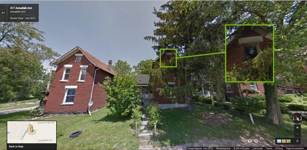 Fantasma teria sido flagrado pelo Google Street View! Verdade ou farsa? (foto: Reprodução/Street View)