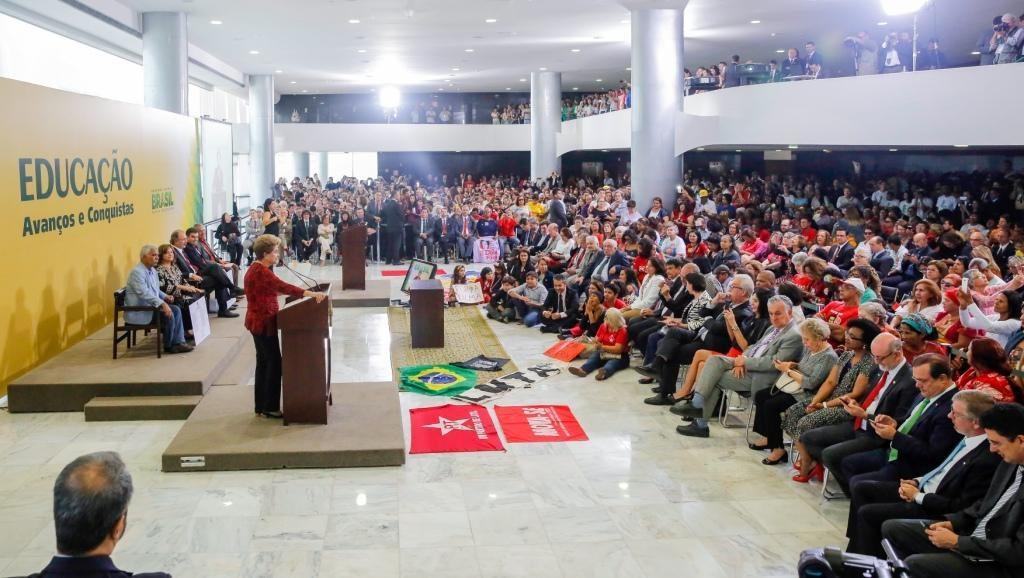 Brasília - DF, 09/05/2016. Presidenta Dilma Rousseff durante Cerimônia de anúncio de criação de novas universidades no Palácio do Planalto. Foto: Roberto Stuckert Filho/PR