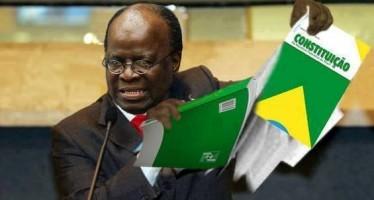 Ex-Presidente do STF rasga a Constituição! Será verdade? (foto: Reprodução/Facebook)