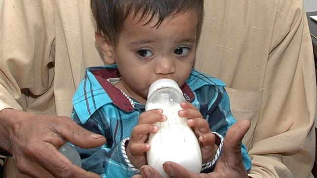 Muhammad Musa Khan teria sido preso aos 9 meses de idade por tentativa de homicídio! Será verdade? (foto: Reprodução/Facebook)