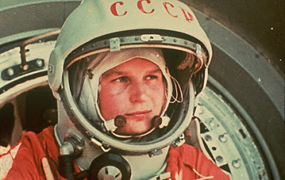 A soviética Valentina Terechkova foi a primeira mulher a ir ao espaço. Isso foi em 1963!