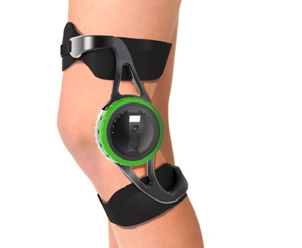 Aparelho aproveita o dobrar do joelho para gerar energia! (foto: Divulgação)