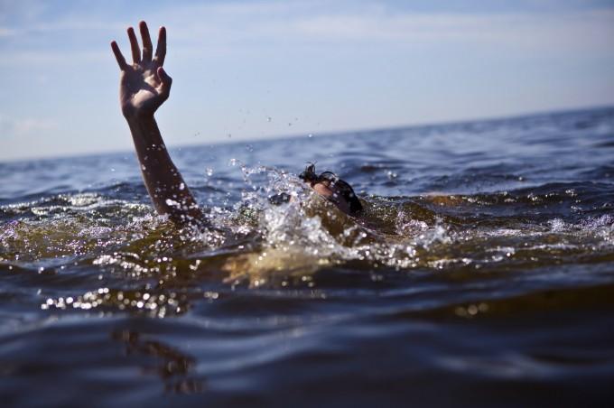 Essa imagem de um afogamento não tem nada a ver com o artigo. Apenas o colocamos para ilustrar a matéria! (foto: Reprodução)