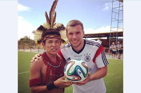 Seleção alemã ajudará comunidade indígena por três anos! (foto: Reprodução/Facebook)