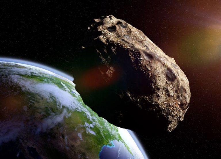Um asteroide enorme vai atingir a Terra em abril e acabar com a vida no planeta?