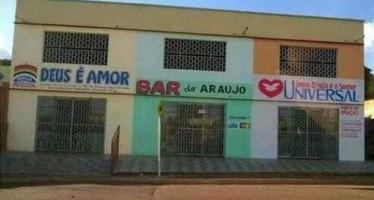 Símbolo de resistência! Bar do Araújo estaria funcionando no meio de duas igrejas. Será verdade? (foto: Reprodução/Facebook)