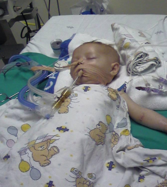 Bebezinha internada na Unimed pede sua ajuda para seu o tratamento! Verdadeiro ou falso?