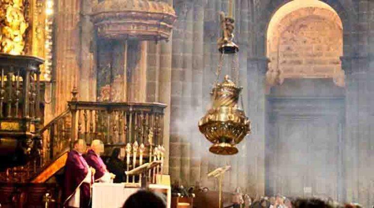 Dois coroinhas foram presos por colocar maconha no incensário da igreja?