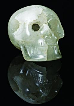 Caveiras de cristal supostamente encontradas no final do século 19 deixaram pesquisadores intrigados por anos!