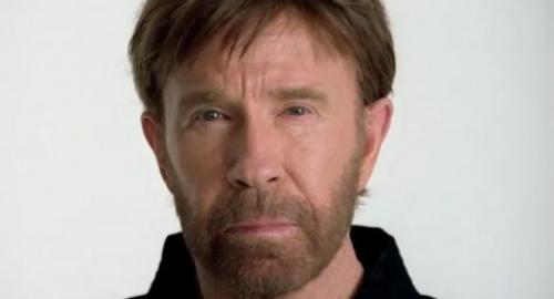 Chuck Norris assume que é gay! Verdade ou mentira?