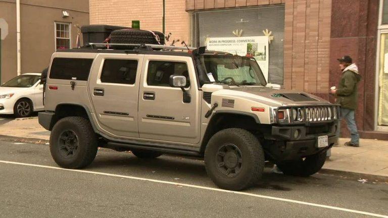 Homens armados foram presos na Filadélfia tentando infiltrar cédulas falsas?