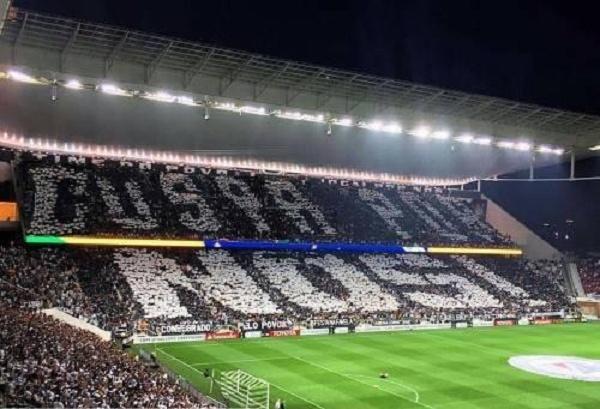 Torcedores da Gaviões da Fiel teriam montado um mosaico em protesto ao deputado Jair Bolsonaro! Será verdade? (Foto: Rprodução/Facebook)