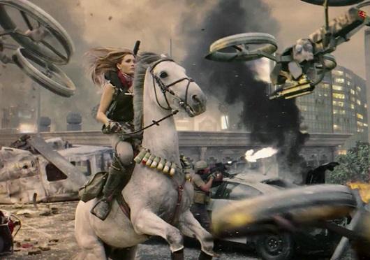 Se você não está ligando o nome à pessoa, Daphne é a moça do cavalo do jogo Call of Duty: Black Ops II (foto: Divulgação)