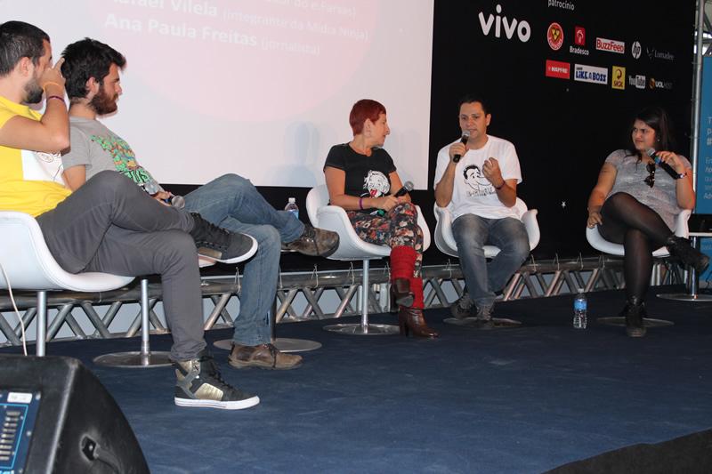 """Abertura do Youpix Festival 2014 no Palco Principal. Gilmar Lopes debate sobre o limite da zoeira na web! (foto: Eduardo """"Efarsinho"""" Lopes)"""