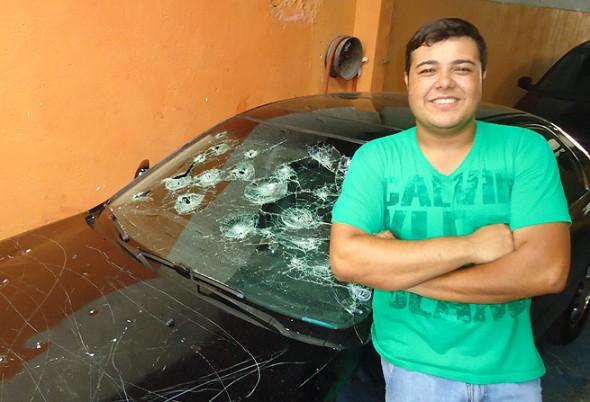 Altamon Luiz é o dono do carro que foi estragado na Vila Olímpia!