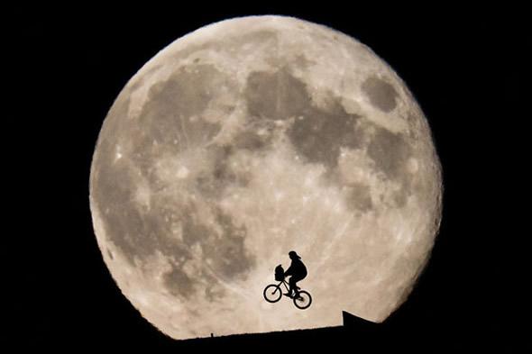 et_moon1