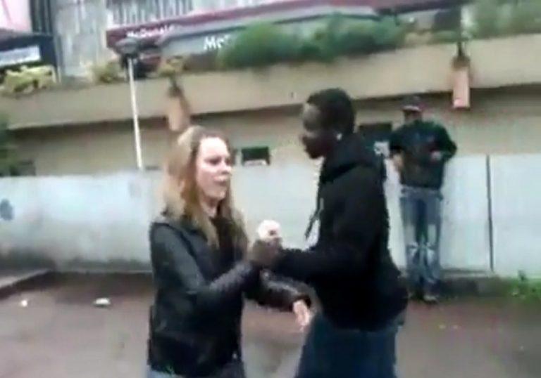 Imigrantes africanos agrediram covardemente uma jovem branca, na Europa?