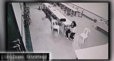 Fantasmas teriam sido flagrados por câmeras de segurança na Malásia! Será? (foto: Reprodução/YouTube)