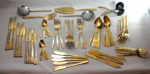 Faqueiro é, na verdade, banhado a ouro e essa foto é de um site de leilões!