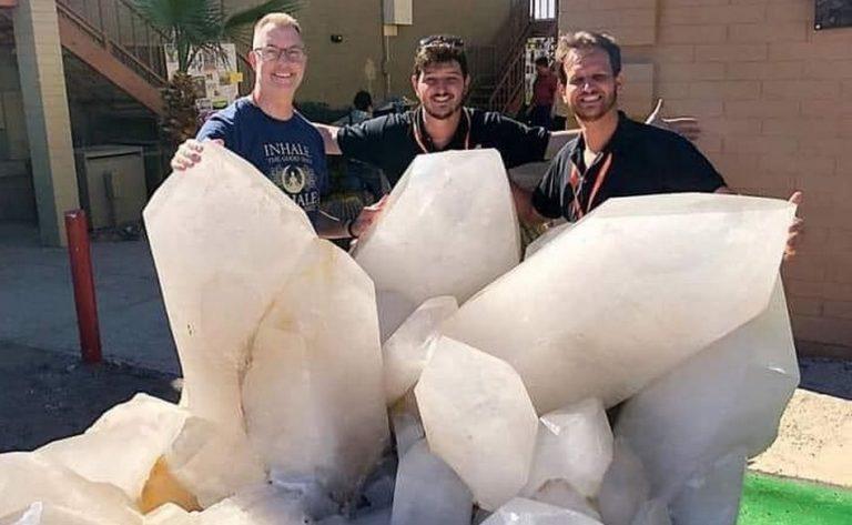 Um gigantesco cristal de quartzo foi extraído da Amazônia por estrangeiros?