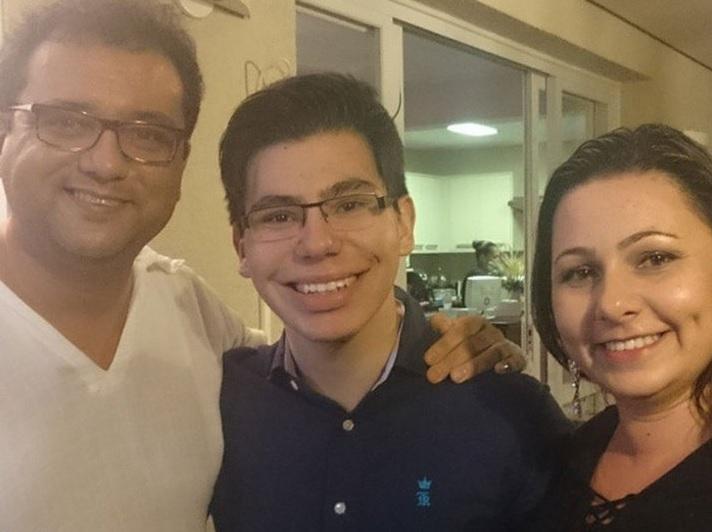 Geraldo Luís tem um filho parecido com o Silvio Santos porque sua esposa é secretária do dono do SBT?