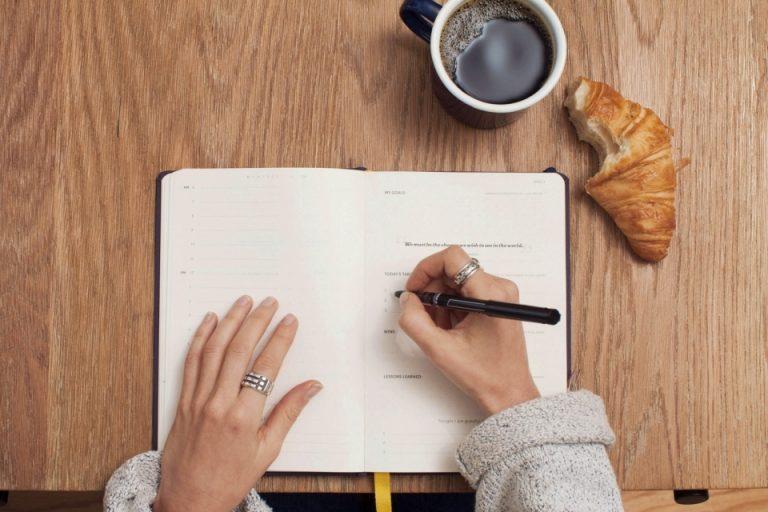 Um estudo apontou que as pessoas com letra feia são as mais inteligentes?