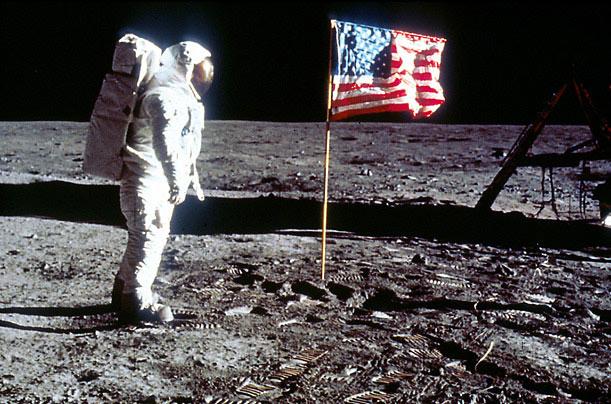 O homem pisou mesmo na Lua ou tudo não passou de uma fraude criada pelos EUA?