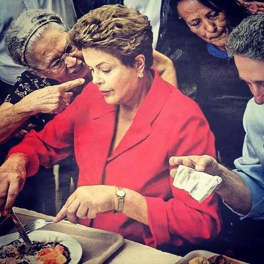 Idosa aponta o dedo na cara da candidata! Será que isso é verdade? (foto; Reprodução/Facebook)