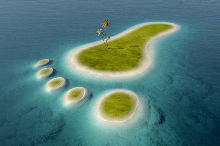 Ilha em forma de uma pegada humana!!! Será que é real ou falsa?