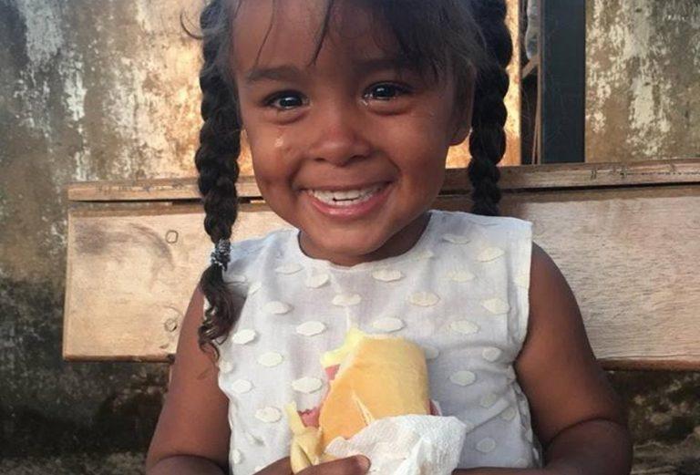 Conheça a verdade por trás da foto de uma criança venezuelana que viralizou nas redes sociais!