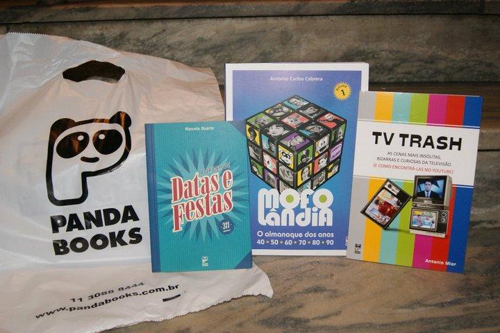 Kit com livros da Editora Panda Books - um brinde para os amigos do E-farsas!