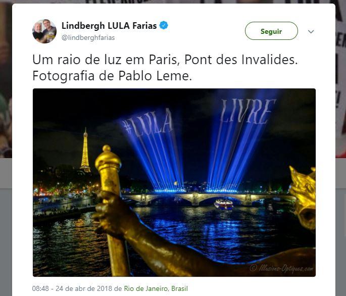 """Paris iluminou o céus com luzes formando a frase """"#Lula Livre""""?"""