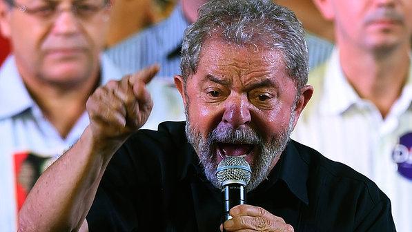 Lula disse que foi melhor que Getúlio e que se eleito será melhor que Deus?