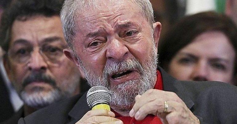 Lula foi expulso por manifestantes de restaurante em Natal?