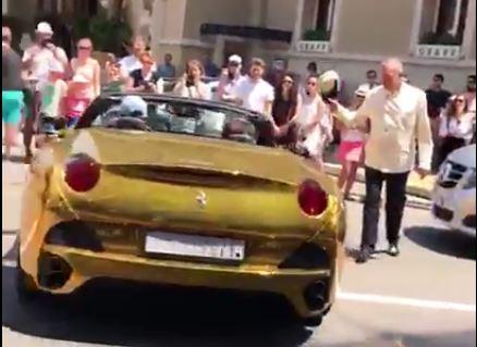 f6ef2ea7e22 Filho do ex-presidente Lula foi visto com Ferrari de ouro no Uruguai