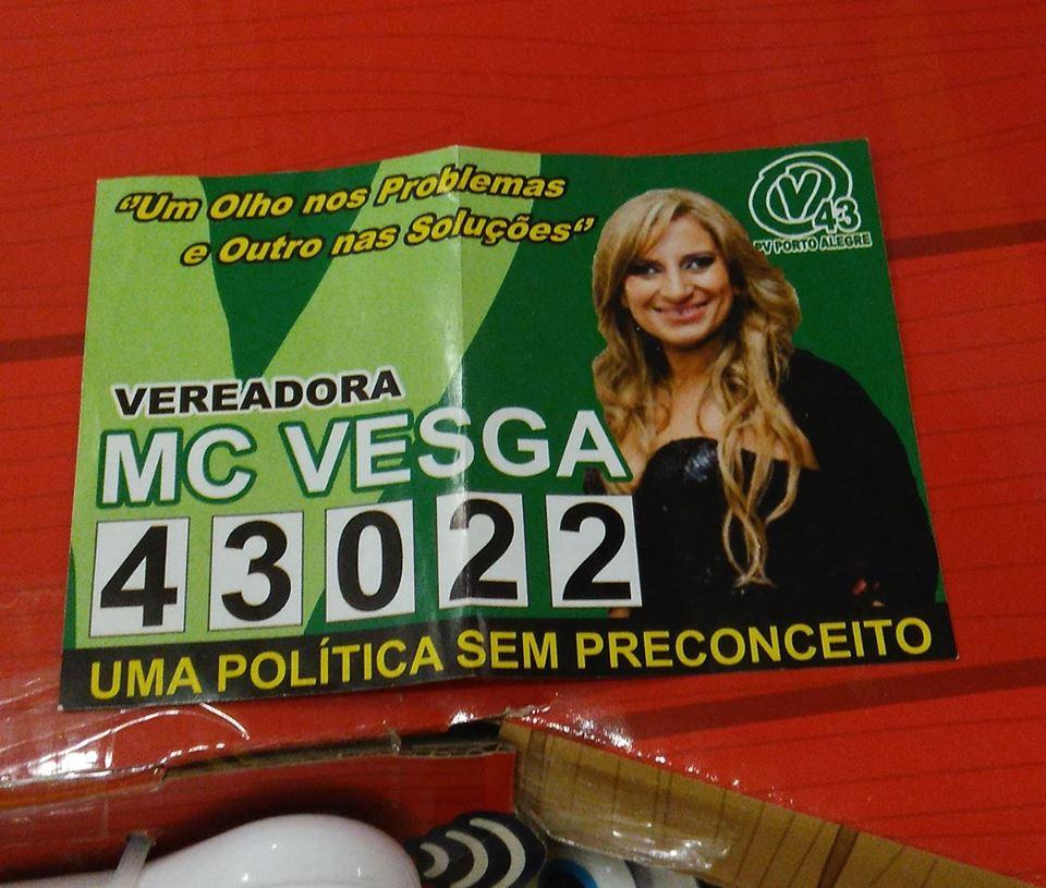 Mc Vesga! Essa candidata existe mesmo? (foto: Reprodução/Facebook)