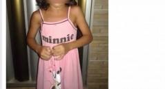 Pedido de ajuda para localizar os pais dessa criança se espalhou pelas redes sociais! Será verdade? (foto: Reprodução/Facebook)