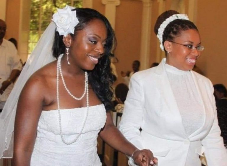 Mãe e filha se casaram numa cerimônia íntima na África do Sul?