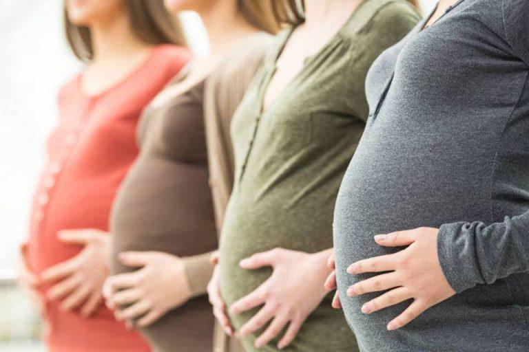 """Associação médica proíbe chamar grávidas de """"mães"""" para respeitar transexuais?"""