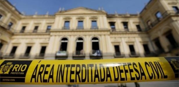 O Governo deu R$ 60 milhões para artistas pela Lei Rouanet e nada para o Museu Nacional?
