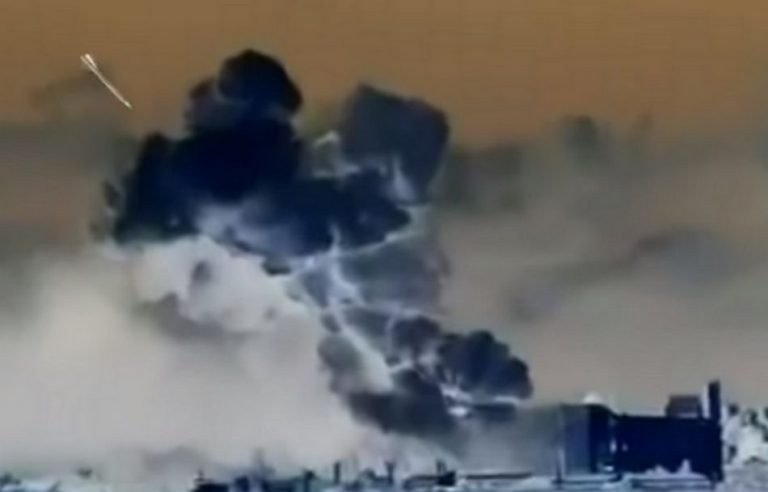 Análise de vídeo mostra que um míssil causou a megaexplosão em Beirute?