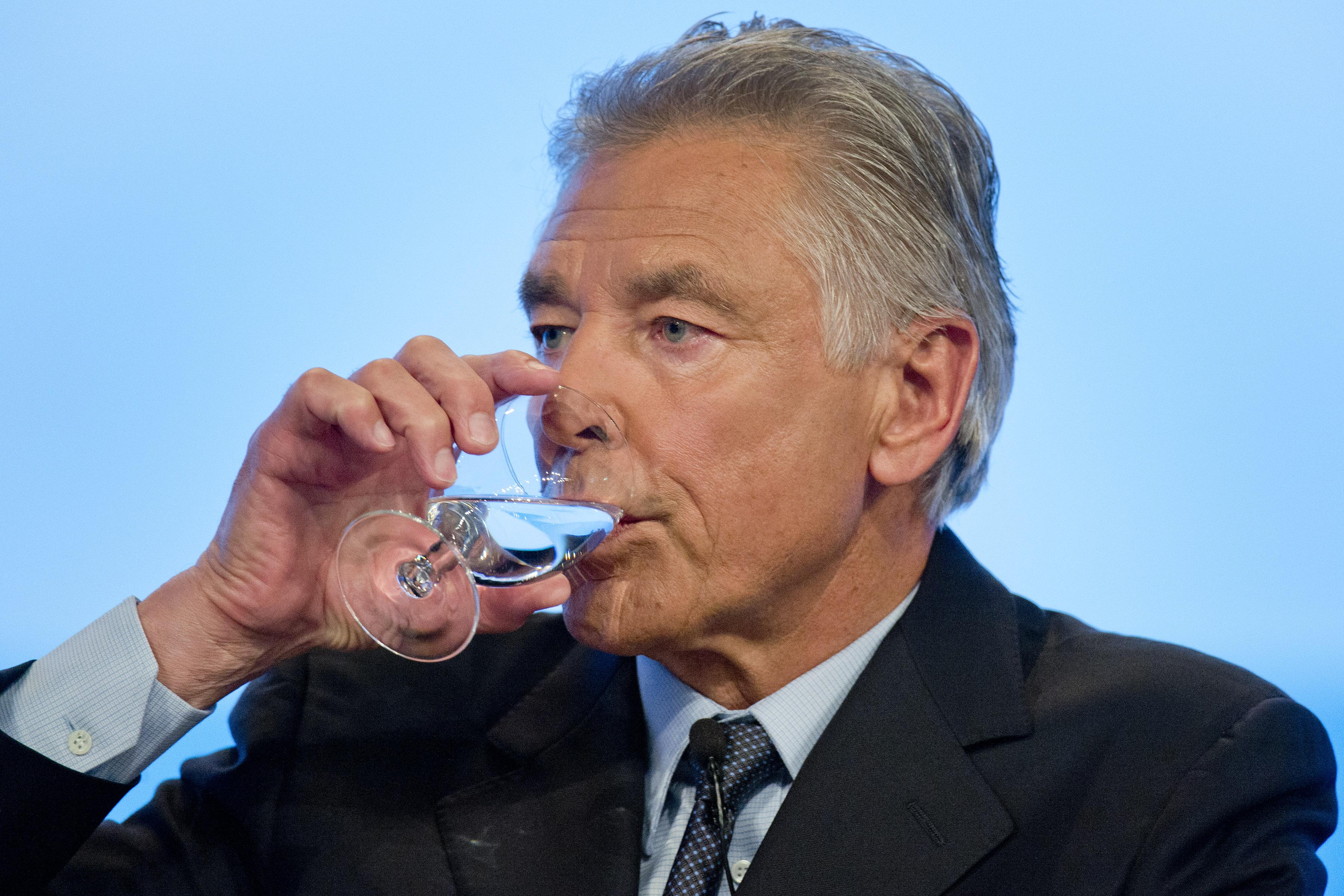 Presidente da Nestlé deseja privatizar a água do planeta! Será verdade? (foto: Reprodução/Facebook)