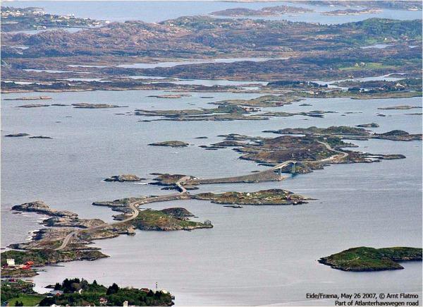 Estrada na Noruega foi construída sobre pequenas ilhas no oceano!