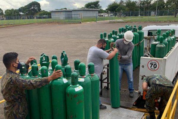 A Força Aérea Brasileira produziu 100 mil metros cúbicos de oxigênio e doou para Manaus?