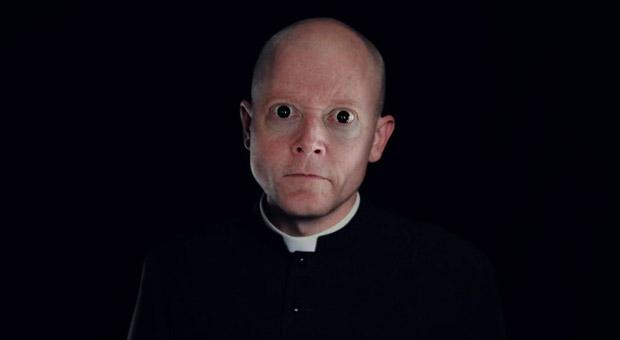 Padre pedófilo com HIV foi perdoado pela Igreja por violar 30 crianças?