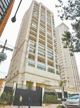 Prédio de luxo onde Palocci tem um apartamento, segundo a Folha de São Paulo! (foto: Reprodução)