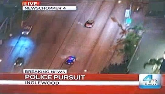 Perseguição policial na TV invade quintal da casa do espectador!