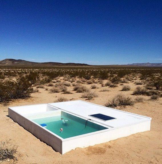 Uma piscina está escondida no meio do deserto e quem conseguir acha-la pode usa ela à vontade! Será verdade? (foto: Reprodução/Facebook)