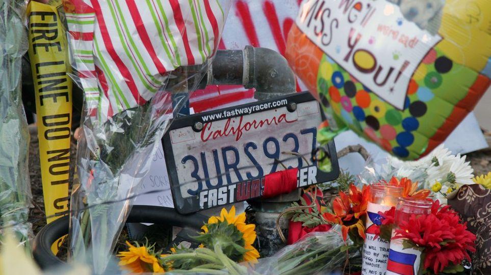 Fãs deixam lembranças no memorial criado no local do acidente! (foto: Reprodução/AFP)